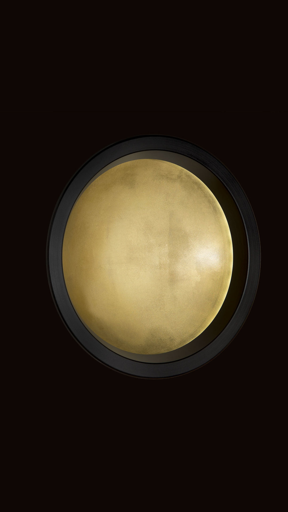 Portal LED In-Wall - Recessed MountFrame: Blackened Aluminum or White PrimerInterior: Yellow Gold Leaf or White Gold Leaf