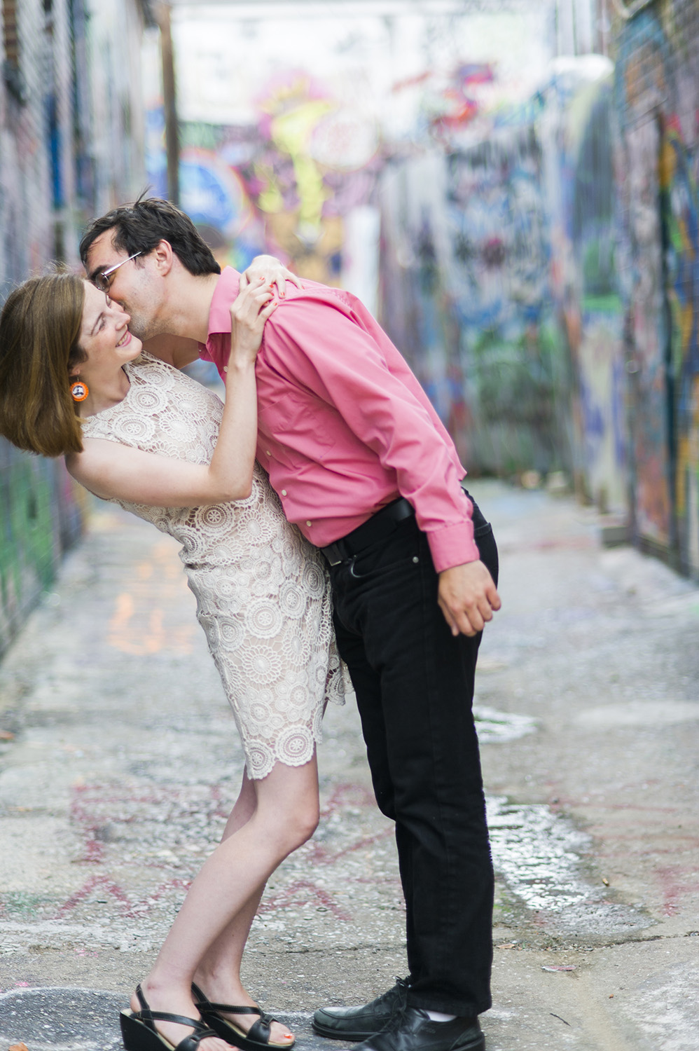 baltimore-graffiti-alley-engagement-photography-01.jpg