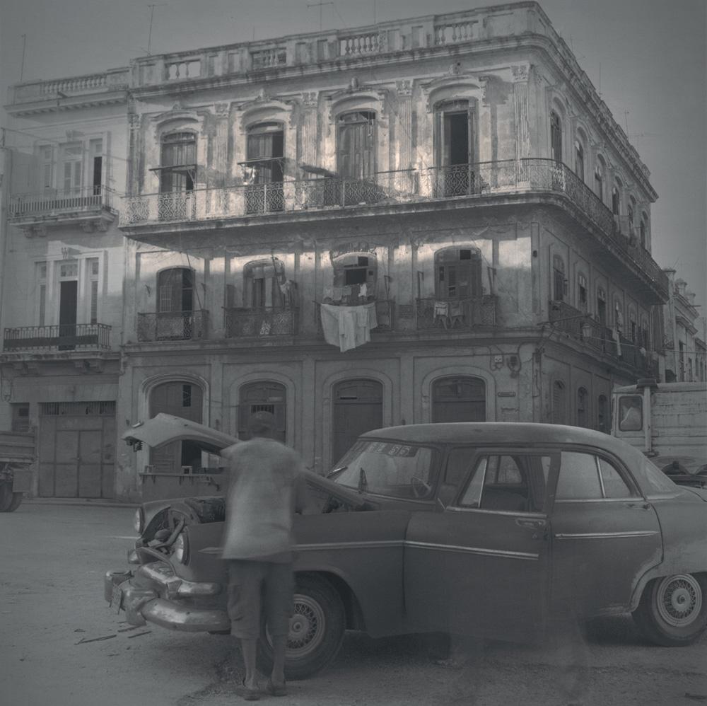 Square, broken car, 2003