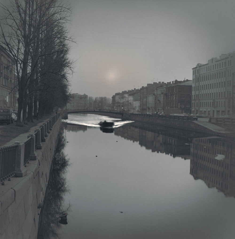 First boat after the ice break, Griboedov Canal, 2007