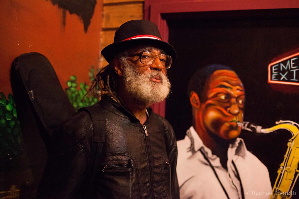 A local blues musician and a Chicago native spends a Monday evening listening to music at Kingston Mines.