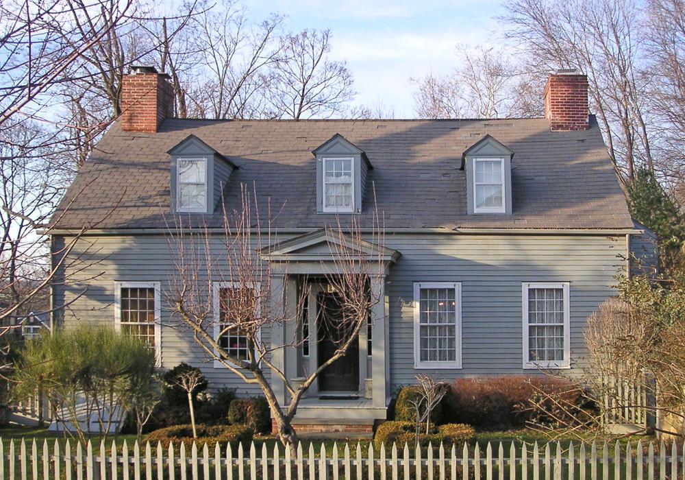 Colonial1.jpg