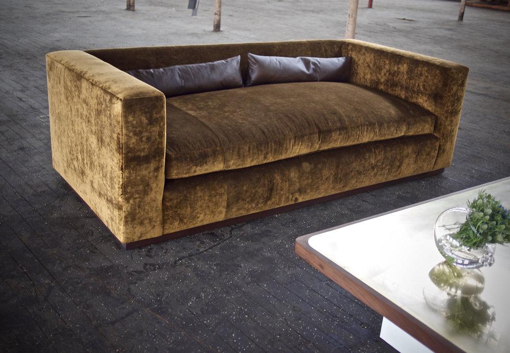 Holmes Sofa. 8 way hand tie.  COM