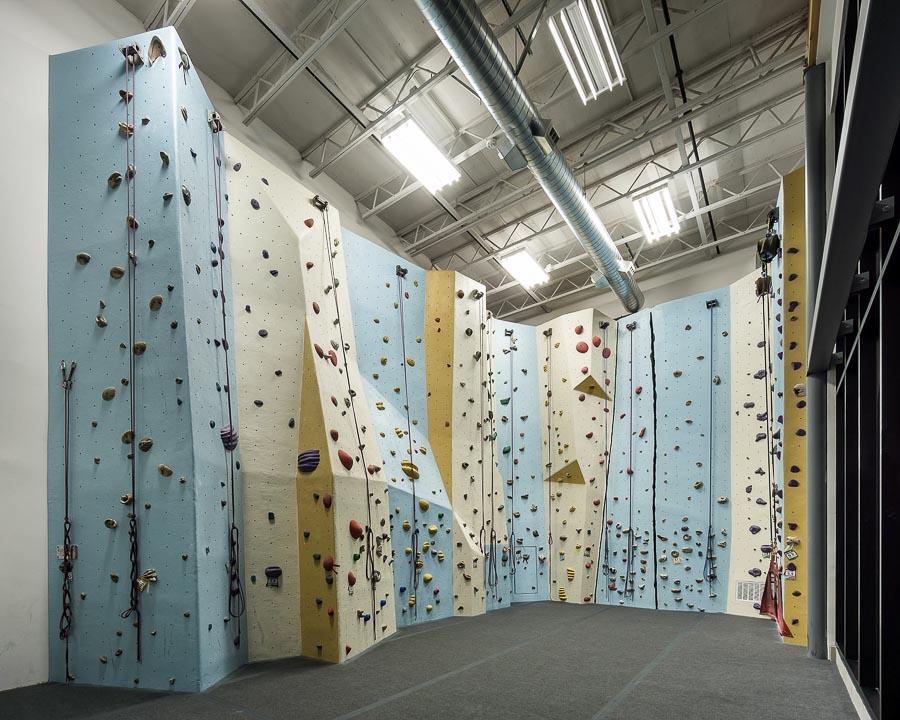team-masters-construction_acoustical-ceiling-drywall-metal-framing-Portland Rock Gym-Portland-OR-Renovations-tenant-improvement3.jpg