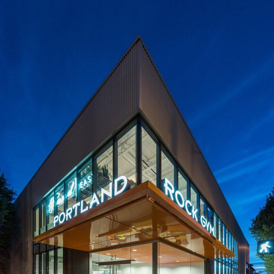 team-masters-construction_acoustical-ceiling-drywall-metal-framing-Portland Rock Gym-Portland-OR-Renovations-tenant-improvement1.jpg