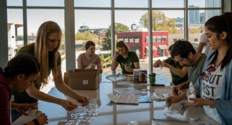 Pop Up Produce Packaging Party-11.jpg