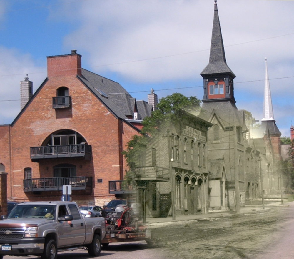 Time Tunnel on Third and Chestnut Streets, going from 2016 to 1917.  Photo Credit, Washington County Historical Society, Tom Wieland and Bob Molenda