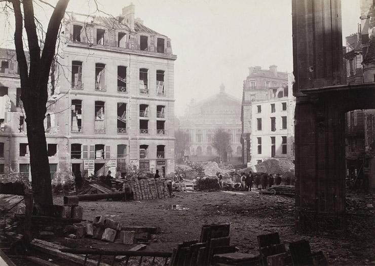 Avenue de l'Opera unde construction, 1876,   via