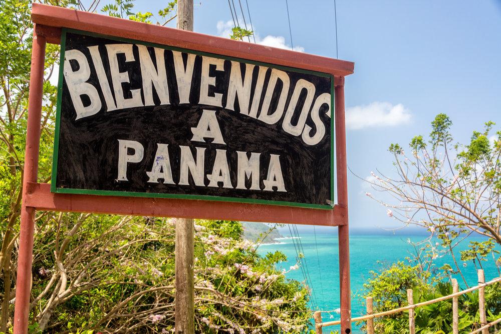 Bienvenidos a Panama sign.jpg