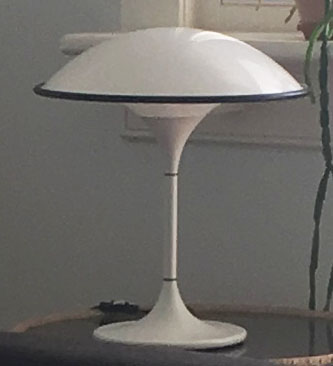 VINTAGE  TABLE LAMP | 20th Century Scandanavia