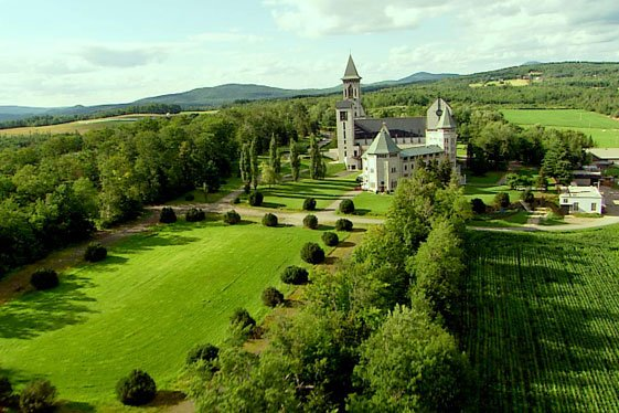 qubec_eastern_townships_abbaye_of_saint-benot-du-lac_aerial_shot_with_green_fields_3259902.jpg