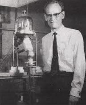 "Sid Hurwich and his ""machine"""
