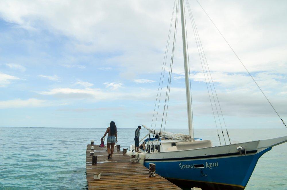 Andrea Valeria, vlogger, itsatravelod, digital nomad, Belize
