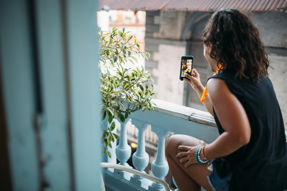 andrea valeria, vlogger, digital nomad, pick my brain