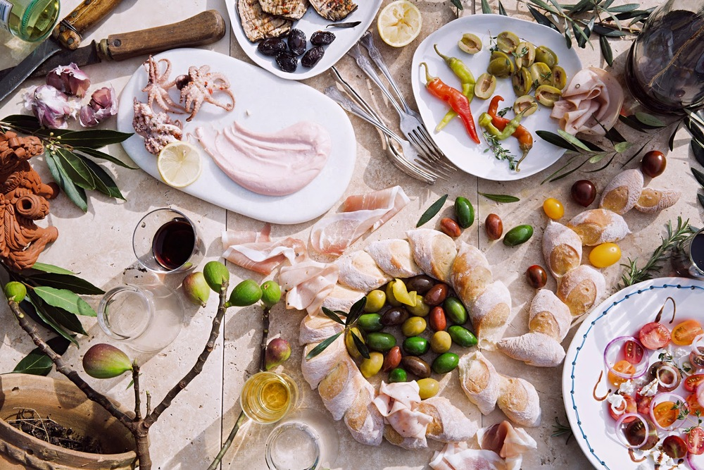 Gourmet_Appetizers_Antipasto_Meze_Nibbles_Snacks_Bread_SmallGoods_Wines_Olives_Heirloom_Tomatoes_Figs_BayLeaves_Lemon_Herbs_BabyOctopus_TaramaSalata_Mortadella_ProsciuttoSan