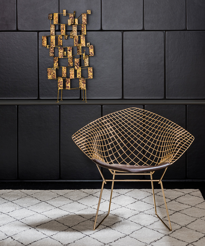 Bertoia-Diamond-Chair-Gold plated steel by Knoll.jpg