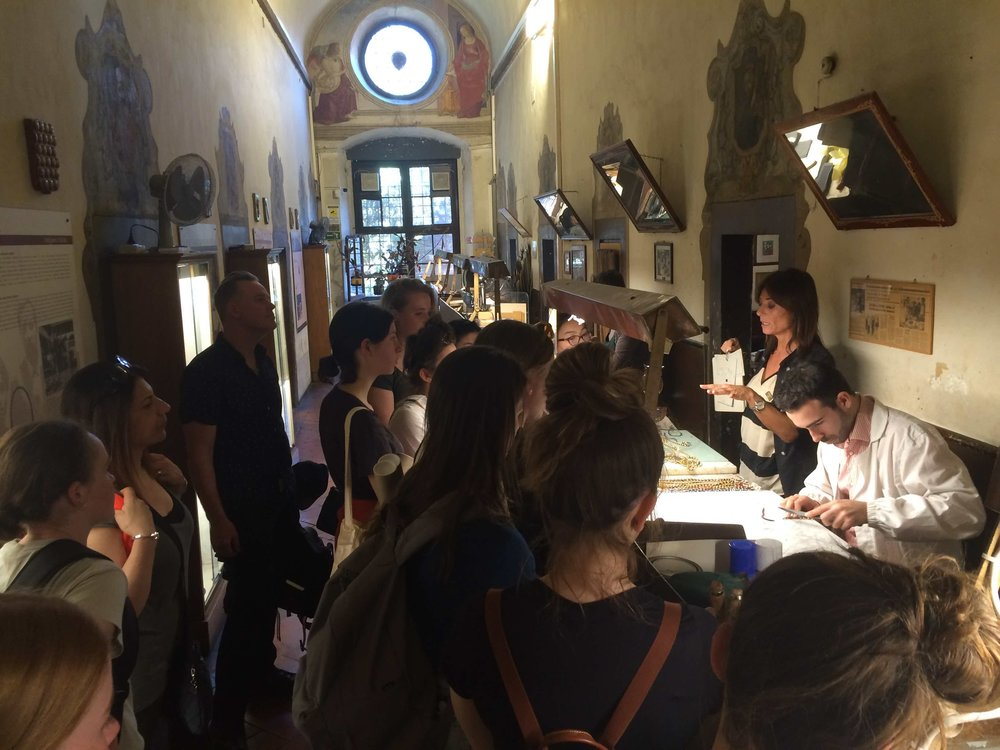 Guided visit of School of Leather, Florence