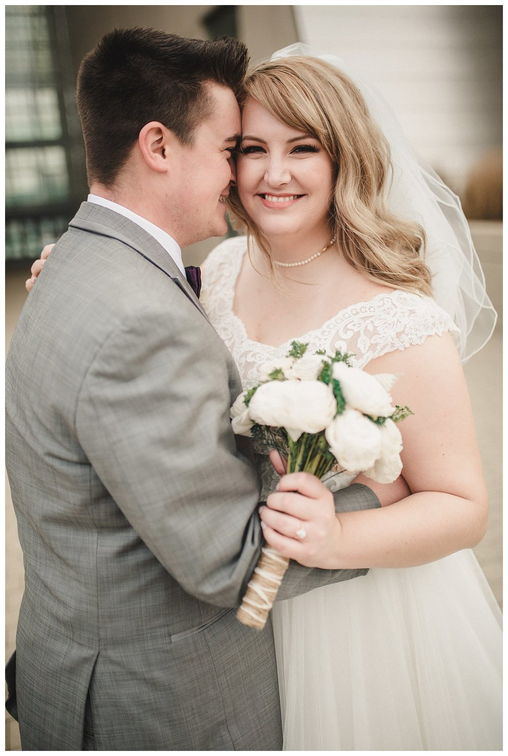 Kelsey_Diane_Photography_Loose_Mansion_Wedding_Photography_Kansas_City_Victor_Lyndsay_0350.jpg