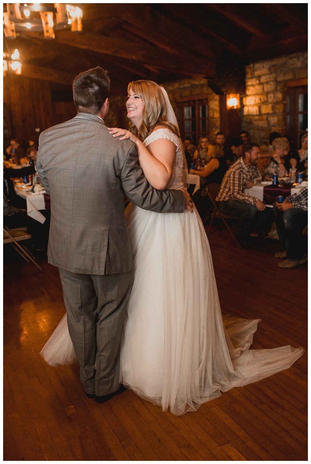 Kelsey_Diane_Photography_Loose_Mansion_Wedding_Photography_Kansas_City_Victor_Lyndsay_0399.jpg