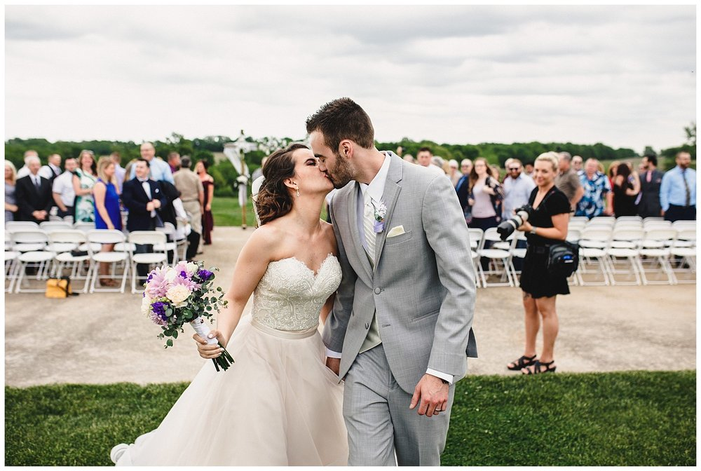 Tiffany_Greens_Golf_Club_Kansas_City_Wedding_Nikki_David_Spring_Wedding_Kelsey_Diane_Photography_0039.jpg