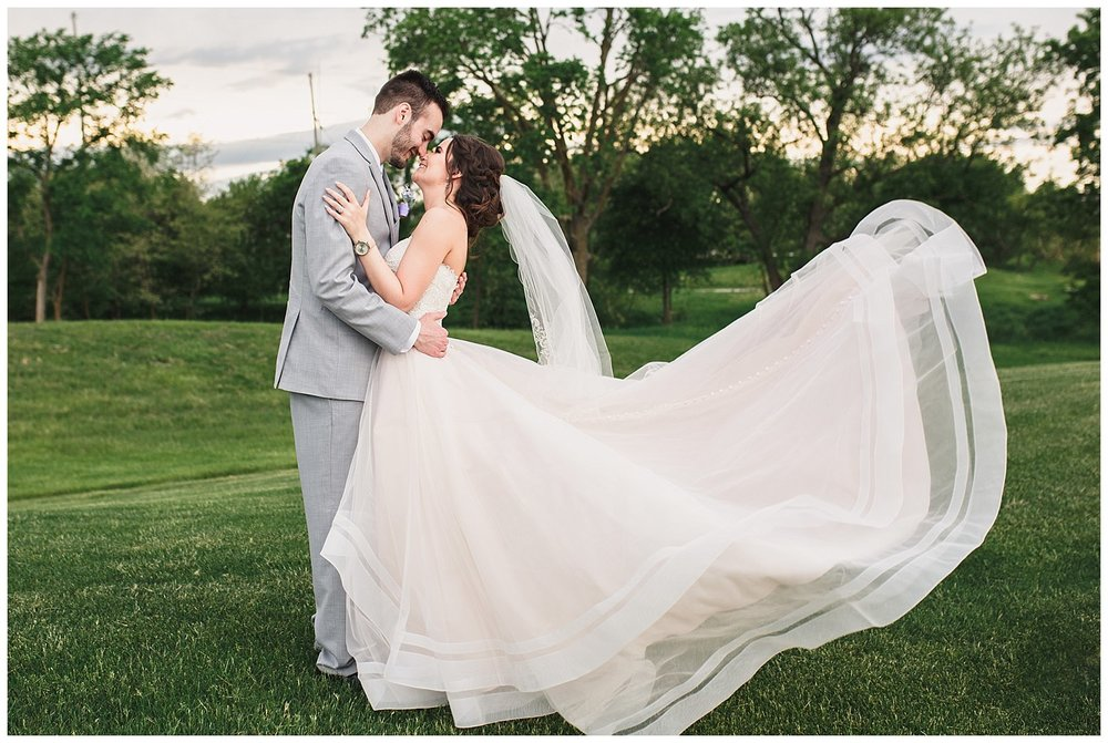 Tiffany_Greens_Golf_Club_Kansas_City_Wedding_Nikki_David_Spring_Wedding_Kelsey_Diane_Photography_0058.jpg