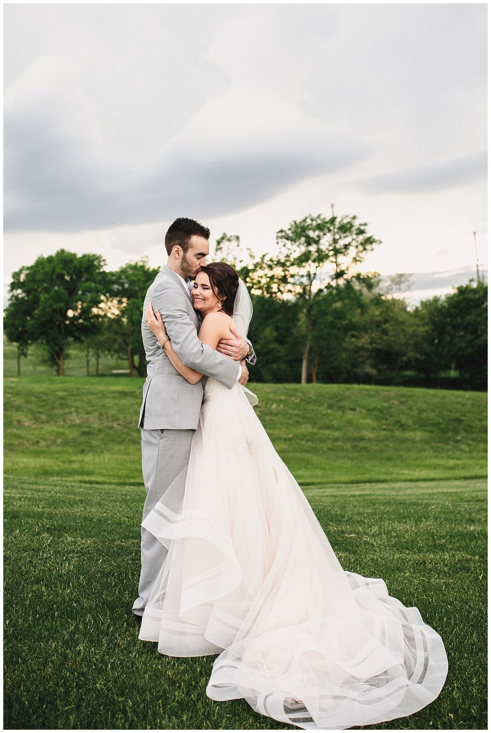 Tiffany_Greens_Golf_Club_Kansas_City_Wedding_Nikki_David_Spring_Wedding_Kelsey_Diane_Photography_0062.jpg