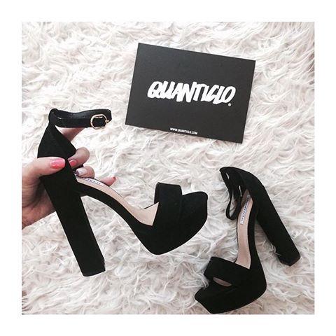 QUANTICLO BLACK KATIE4.jpg