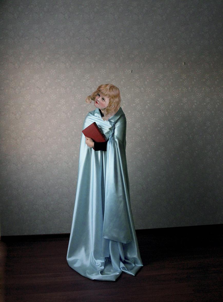 Blue Gown, 2014, 20cm x 27 cm ED. 2/5