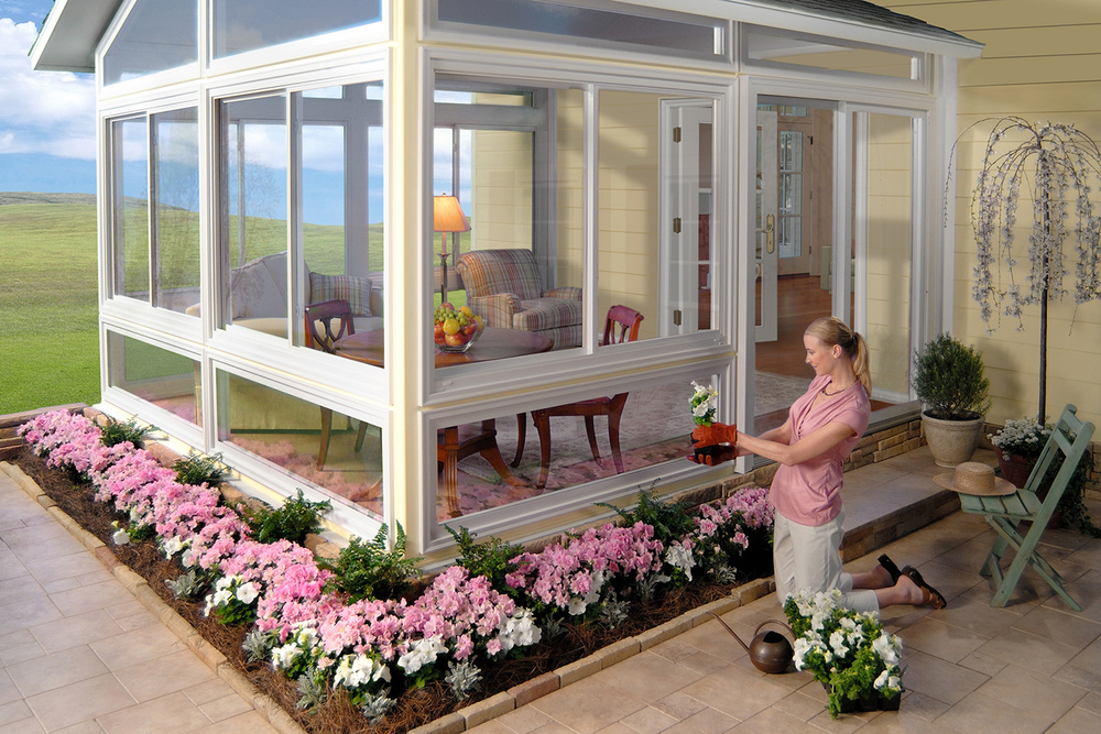 Because Owens Corning's SunSuites sunroom product was brand-new and there were no installations in the field, the first TV spot and photos for print were shot in the WaveGuide Studios insert stage against blue screen. WaveGuide Studios provided casting, set dressing, lighting, photography and post-production services.
