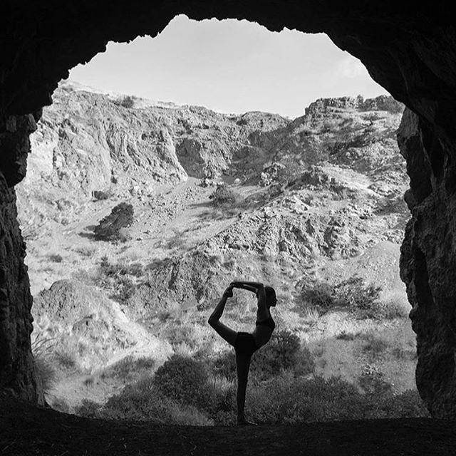 'Every exit is an entrance to somewhere else' #letgo #roadmap #inspirationalquotes - Rebecca Puig #quotestoliveby #mindset #selfdevelopment #explore #yogainspiration #yogalife #thedancer 📸 via @mgarsia_