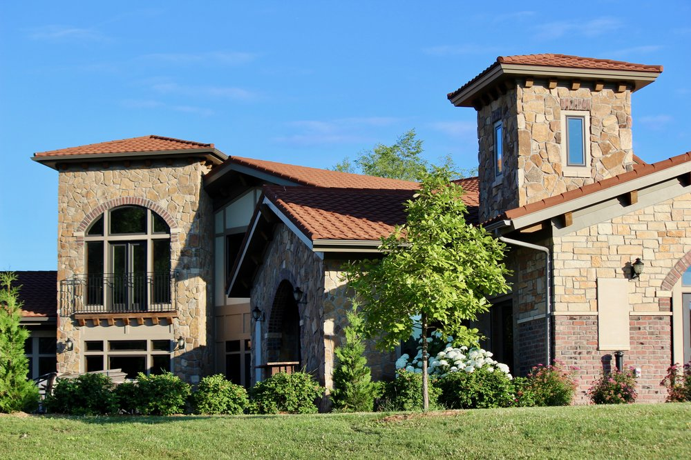 Belle Vinez Winery is family owned and produces all wines locally.
