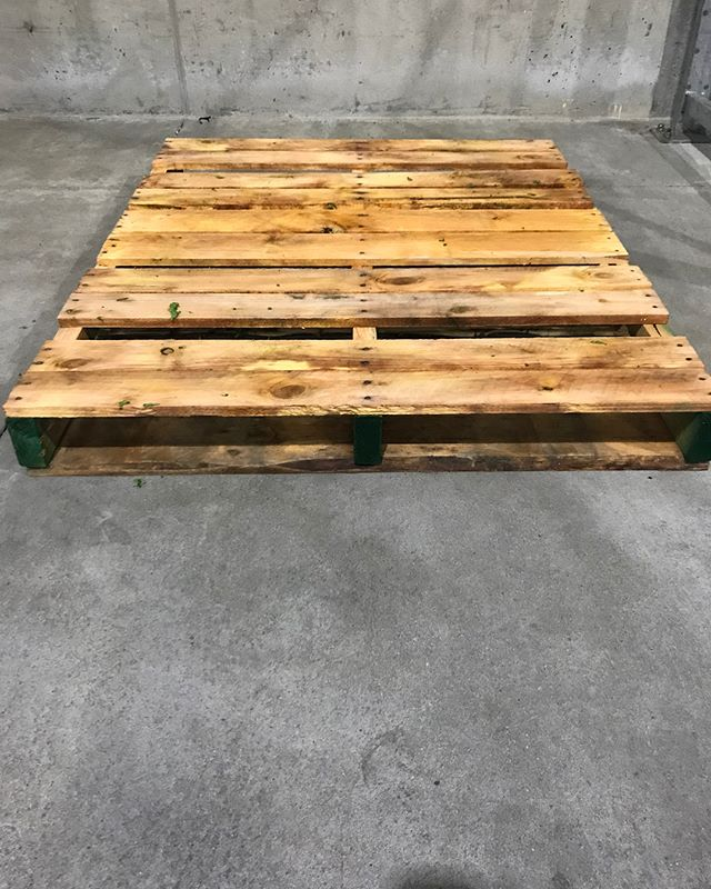 Does your company need a pallet built specifically for your product? Send us your specifications and we will have a sample built for you. Wood type, board thickness, gapping, # of boards & Heat-Treating are just come of the ways you can customize a pallet with us. #Pallets #Pallet #Lumber #Wood #Warehouse #Shipping #Logistics #Trucking #Hauling #BayArea #Newark #Stockton #California #Custom #BrandNew #Standard #SmallBusiness #FamilyOwned #DIY