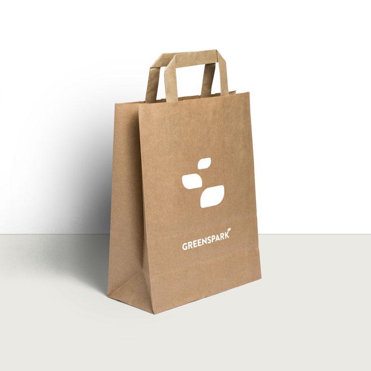 Logo sobre bolsa de papel