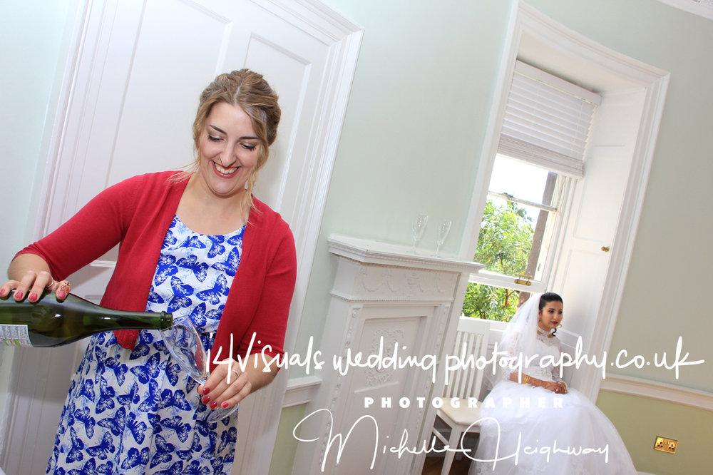 Bridesmaid Wedding Photographer, Edinburgh Zoo