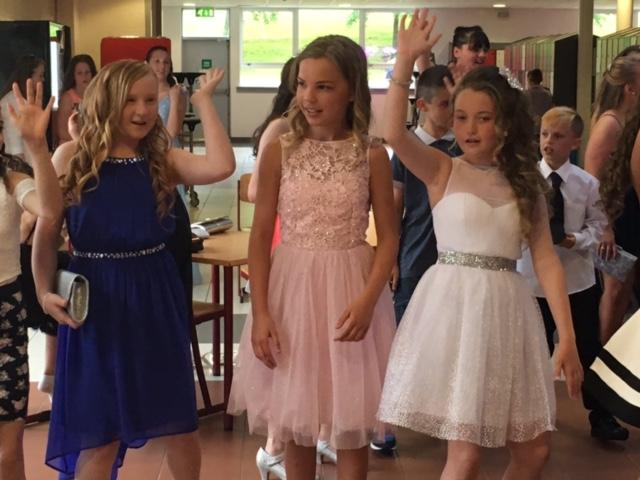 P7 girls dancing.JPG