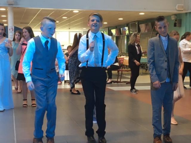 P7 lads dancing.JPG