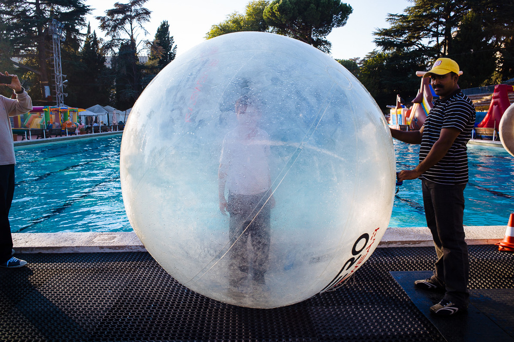 Bubble Boy, Piscina delle Rose, Rome