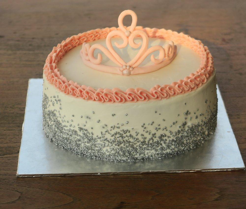 Tiara princess cake.jpg