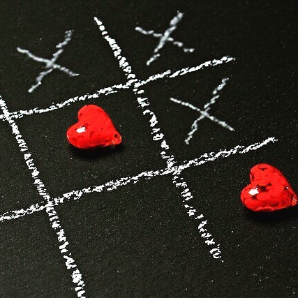 0️⃣Naughts & ❎Crosses . A game that crosses generations. There are so many ways to recreate this game and turn it into an art project. Or simply have pen and paper 📝 and play anywhere. Do you have a favourite person you liked to play with? . #red #games #hearts