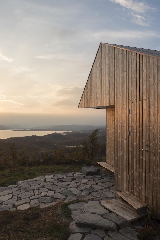 23/05/2017 - KEBONYUne cabane inédite construite en bois...