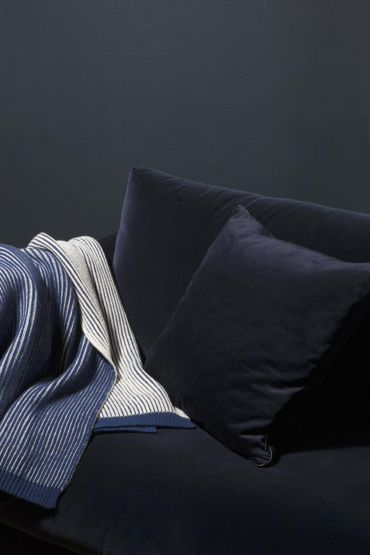 10/11/2017 - LOUISE ROELa nouvelle série de plaids et coussins par...