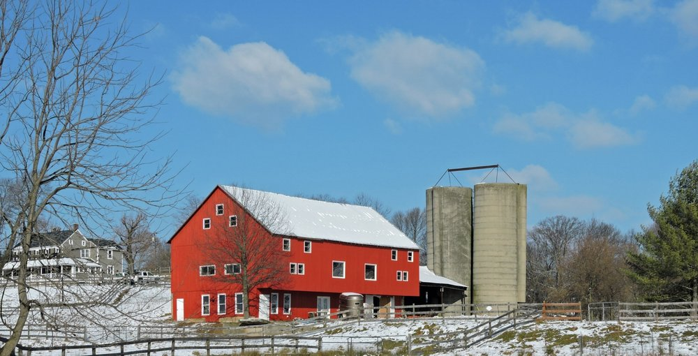 Classes are taught in the red bank barn when the weather permits. You may schedule your own class as an individual or for a group. Please call 410-795-6070 to check on class availability. Freeform knit and crochet and spinning lessons are available year round.