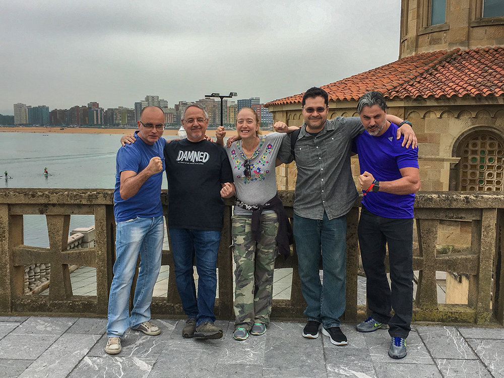 The Friday morning walking tour crew... Mike Deodato, me, Renee Witterstaetter, Kenny Lopez, Will Conrad, and Jaume Vaquer (behind the camera).