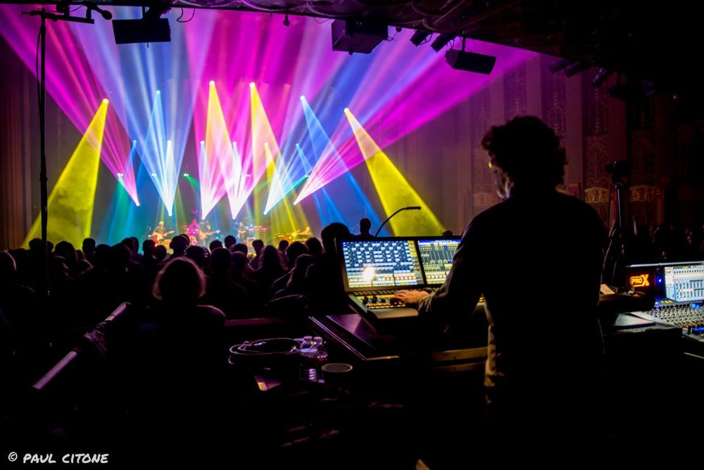 Jefferson Waful (Umphrey's McGee Lighting Designer). Photo by Paul Citone.