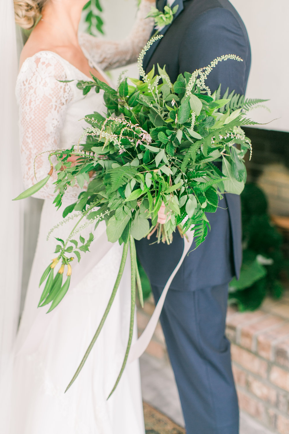 The grounds and garden were amazingly beautiful filled with native foliage. We were able to gather cuttings to make this stunning foraged bouquet.