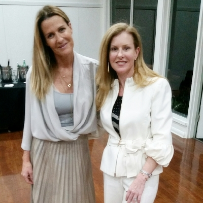 Lorena (right) with India Hicks (left)