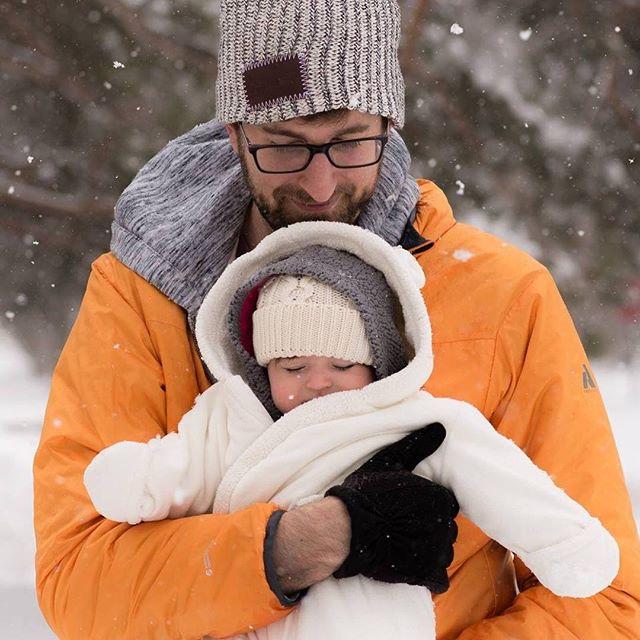 "#tbt to last years April snownami : look Elle Grey- this is what Minnesota calls ""Spring"" . . . #nikon85mm #85mm #85mm18 #nikonpics #nikontop #nikond600 #nikonphotos"