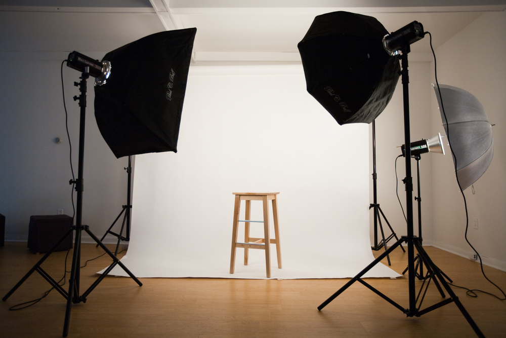 Would you prefer to have an on-site portrait or one taken in Don's studio ... YOUR CHOICE.