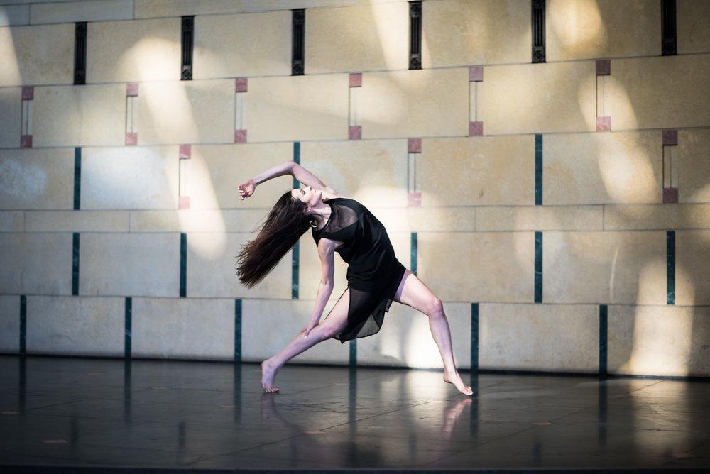 DancersandUnionStationDec2016 (1 of 1)-226.jpg