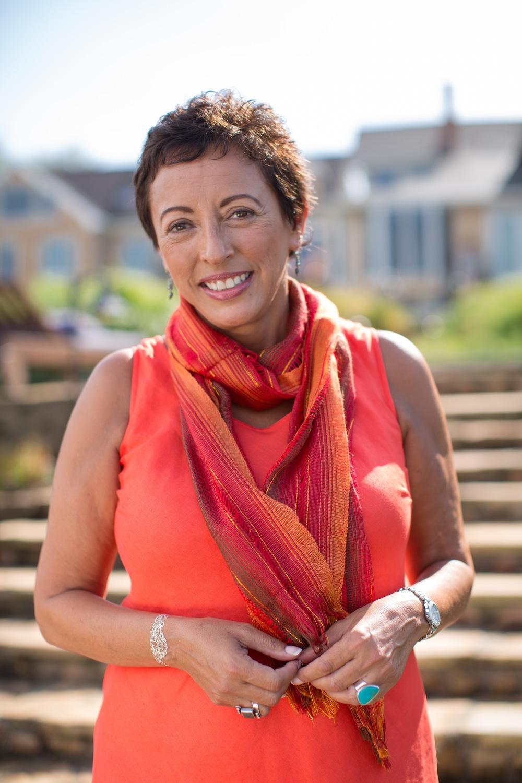 Alicia M. Rodriguez, Entrepreneur, Author and Conscious Living/Leadership Guide | EM: alicia@aliciamrodriguez.com